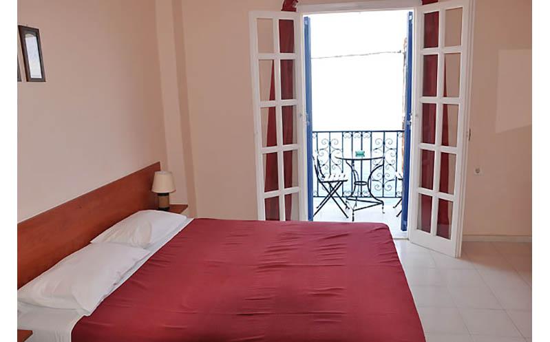 aprilis-apartments